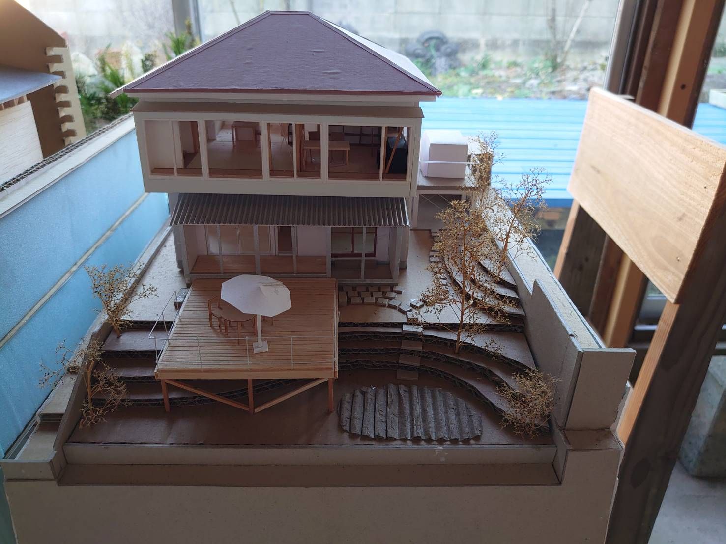 「高台の大窓」設計段階の模型