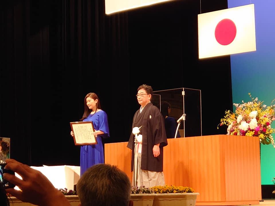 桐生市観光大使 篠原涼子さんと桐生市長