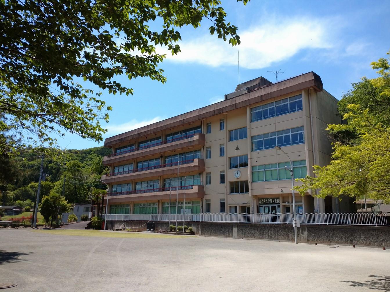 ふるさと学習・資料館(旧小俣第二小学校)