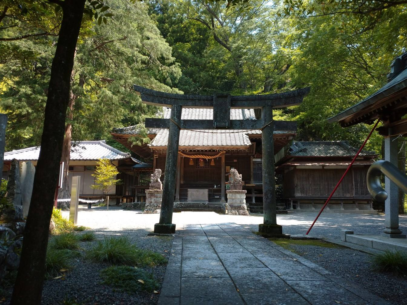 白瀧神社の社殿